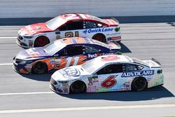 Trevor Bayne, Roush Fenway Racing Ford, Denny Hamlin, Joe Gibbs Racing Toyota, Ryan Blaney, Wood Bro