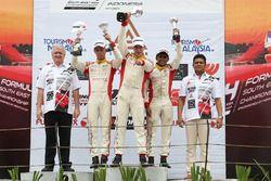 Podium: race winner Faine Kahia, second place Presley Martono, third place Akash Gowda