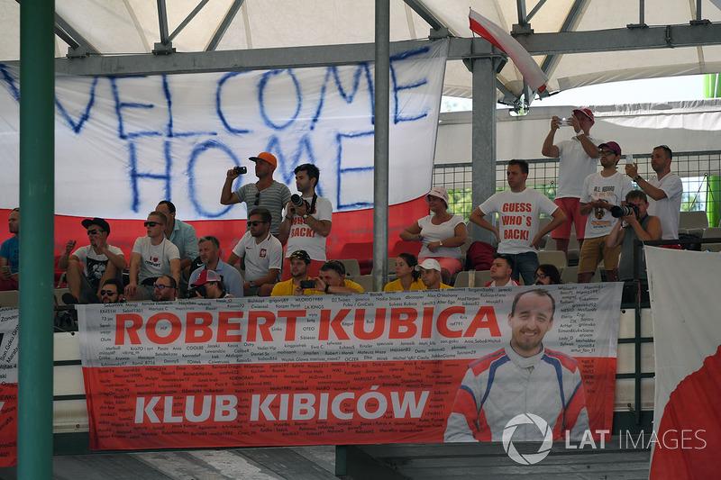 Robert Kubica, Renault Sport F1 Team RS17 fans