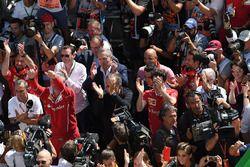 Maurizio Arrivabene, director del equipo Ferrari, Sergio Marchionne, CEO de FIAT, Mattia Binotto, Fe