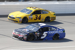 Kasey Kahne, Hendrick Motorsports Chevrolet, Landon Cassill, Front Row Motorsports Ford, Front Row M