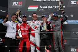 Podyum: Yarış galibi Attila Tassi, M1RA, Honda Civic TCR, 2. Pepe Oriola, Lukoil Craft-Bamboo Racing