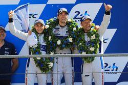 GTE Pro podium: segundo, Andy Priaulx, Harry Tincknell, Pipo Derani, Ford Chip Ganassi Racing