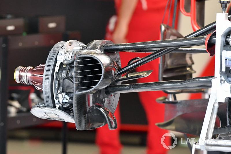 Ferrari SF70H front wheel and brake duct detail