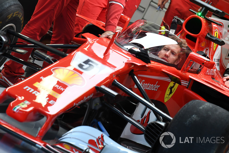 Sebastian Vettel, Ferrari SF70H with cockpit shield