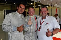 Simon Lazenby, Sky TV y Paul Stoddart F1 Experiences coche de 2 plazas