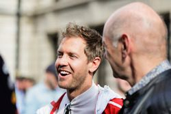 Sebastian Vettel, Ferrari, Adrian Newey, Chief Technical Officer, Red Bull Racing