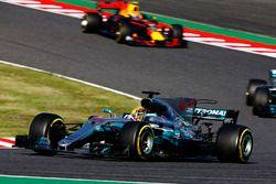 Lewis Hamilton, Mercedes AMG F1 W08, Valtteri Bottas, Mercedes AMG F1 W08, Max Verstappen, Red Bull