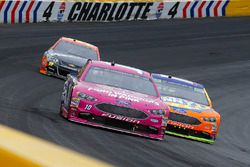 Danica Patrick, Stewart-Haas Racing Ford y Ricky Stenhouse Jr., Roush Fenway Racing, Ford Fusion