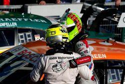 Ganador de la carrera Jamie Green, Audi Sport Team Rosberg, Audi RS 5 DTM y Timo Glock, BMW Team RMG