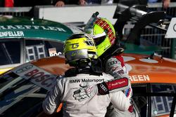 Le vainqueur Jamie Green, Audi Sport Team Rosberg, Audi RS 5 DTM et Timo Glock, BMW Team RMG, BMW M4 DTM