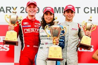 Podium: race winner Jamie Chadwick, second place Patrik Pasma, third place Michelangelo Amendola