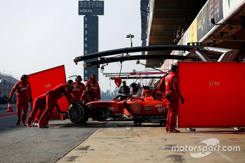Charles Leclerc, Ferrari SF90 pit yolunda