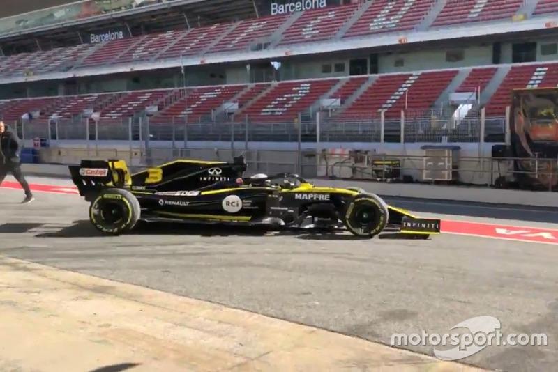 Daniel Ricciardo, Renault R.S.19, Shakedown