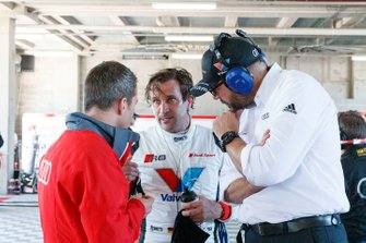 #2 Audi Sport Team Valvoline Audi R8 LMS: Markus Winkelhock with Stefan Gugger, Chris Reinke, Head of Audi Sport Customer Racing