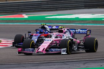 Lance Stroll, Racing Point RP19 and Alexander Albon, Toro Rosso STR14 battle
