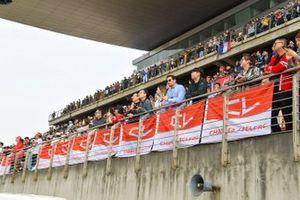 Des fans de Charles Leclerc, Ferrari