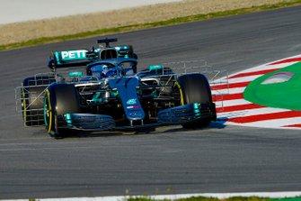 Valtteri Bottas, Mercedes AMG F1 W10, carries sensor equipment