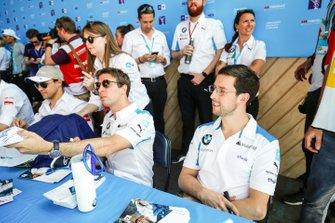 Antonio Felix da Costa, BMW I Andretti Motorsports e Alexander Sims BMW I Andretti Motorsports alla sessione di autografi