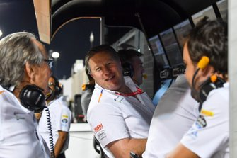 Mansour Ojjeh, co-owner, McLaren, Zak Brown, McLaren Executive Director, and Fernando Alonso on the McLaren pit wall during Qualifying
