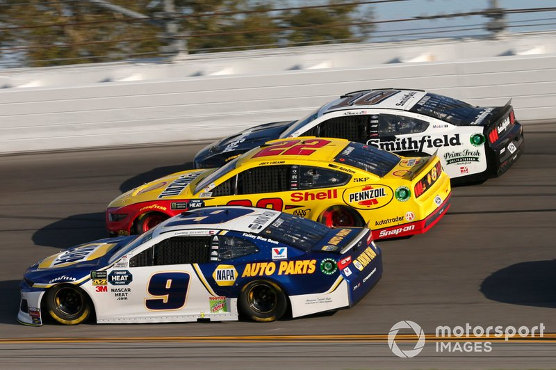 Chase Elliott, Hendrick Motorsports, Chevrolet Camaro NAPA AUTO PARTS Joey Logano, Team Penske, Ford Mustang Shell Pennzoil Aric Almirola, Stewart-Haas Racing, Ford Mustang Smithfield