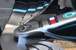 تفاصيل سيارة مرسيدس10