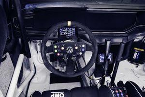 Kommandozentrale: das Cockpit des Polo GTI R5