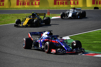Brendon Hartley, Scuderia Toro Rosso STR13 devant Carlos Sainz Jr., Renault Sport F1 Team R.S. 18 et Charles Leclerc, Sauber C37