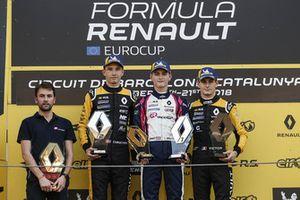 Il vincitore della gara Logan Sargeant, R-Ace GP, il secondo classificato Christian Lundgaard, MP motorsport, il terzo classificato Victor Martins, R-Ace GP