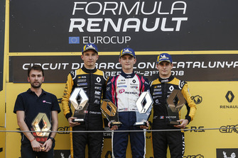 Race winner Logan Sargeant, R-Ace GP, second place Christian Lundgaard, MP motorsport, third place Victor Martins, R-Ace GP