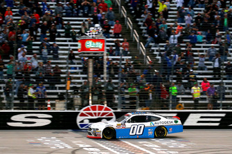 Cole Custer, Stewart-Haas Racing, Ford Mustang Autodesk drives under the checkered flag to win