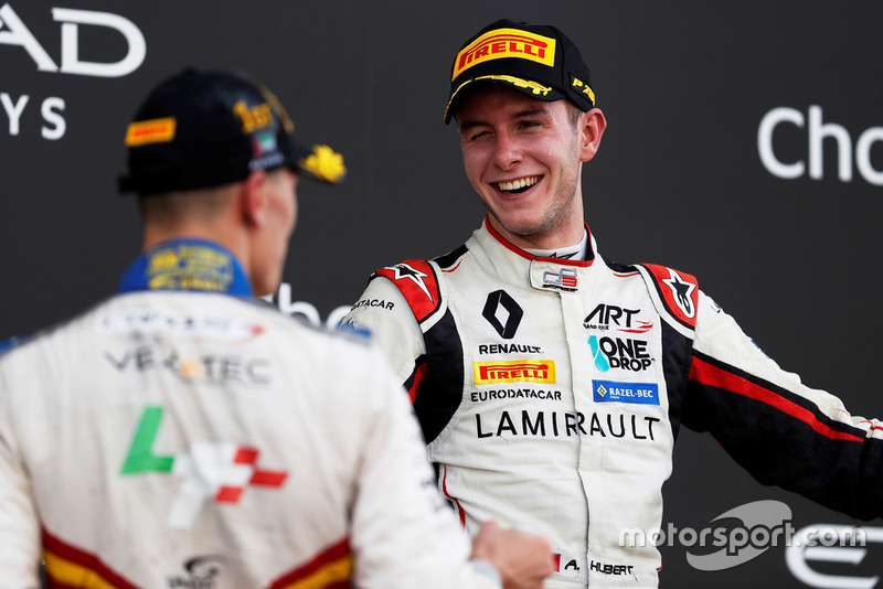 Anthoine Hubert, ART Grand Prix sur le podium avec Leonardo Pulcini, Campos Racing