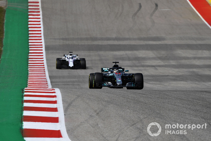 Lewis Hamilton, Mercedes AMG F1 W09 EQ Power+ y Lance Stroll, Williams FW41