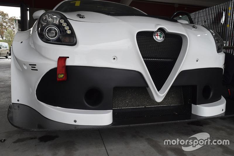 Alfa Romeo Giulietta TCR, dettaglio anteriore
