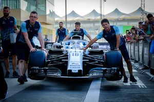 Williams Mercedes Pit Crew