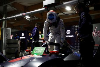 Sam Bird, Envision Virgin Racing, climbs out of his Audi e-tron FE05 in the garage