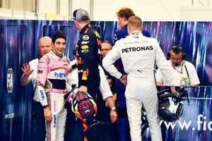 Max Verstappen, Red Bull Racing en Esteban Ocon, Racing Point Force India opstootje