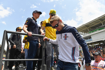 Sergey Sirotkin, Williams FW41, Nico Hulkenberg, Renault Sport F1 Team R.S. 18 and Max Verstappen, Red Bull Racing on the drivers parade