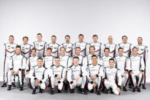 Porsche drivers group photo