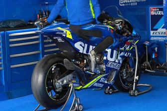 Box: Team Suzuki MotoGP