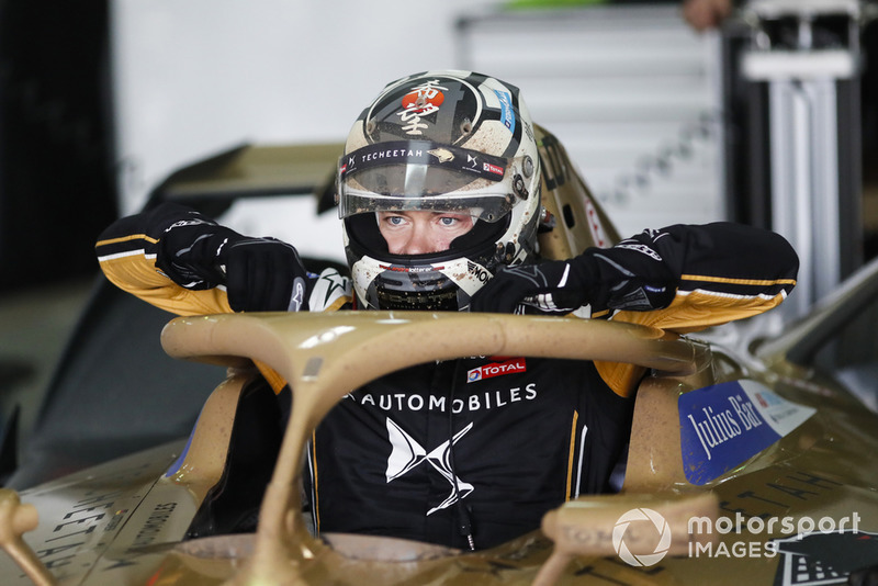 Andre Lotterer, DS TECHEETAH, DS E-Tense FE19 exits his muddy car