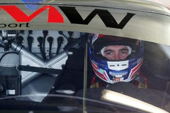 #66 JMW Motorsport Ferrari F488 GTE: Miguel Molina