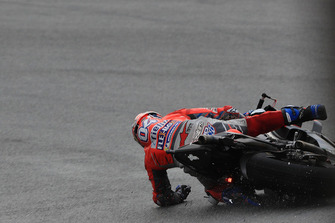 Andrea Dovizioso, Ducati Team crash