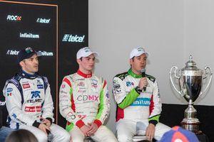 Memo Rojas, Patricio O'Ward y Benito Guerra y el trofeo ROC