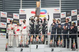 Podium : Les vainqueurs #51 Iron Lynx Ferrari 488 GT3: Alessandro Pier Guidi, Nicklas Nielsen, Côme Ledogar, les deuxièmes #32 Audi Sport Team WRT Audi R8 LMS GT3: Dries Vanthoor, Kelvin van der Linde, Charles Weerts, les troisièmes #95 Garage 59 Aston Martin Vantage AMR GT3: Nicki Thiim, Marco Sorensen, Ross Gunn
