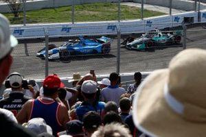 Jimmie Johnson, Chip Ganassi Racing Honda, Dalton Kellett, A.J. Foyt Enterprises Chevrolet