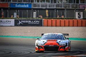 #32 Team WRT Audi R8 LMS GT3: Charles Weerts, Dries Vanthoor