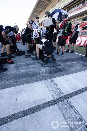Tom Sykes, BMW Motorrad WorldSBK Team pole position line