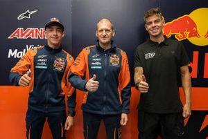 Pedro Acosta, Augusto Fernandez, Aki Ajo, Team Manager, Red Bull KTM Ajo