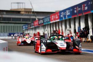Lucas Di Grassi, Audi Sport ABT Schaeffler, Audi e-tron FE07, Alexander Sims, Mahindra Racing, M7Electro